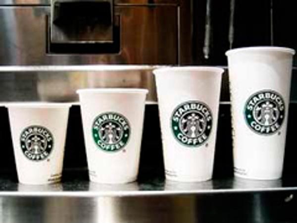 Inauguración de la primera franquicia Starbucks