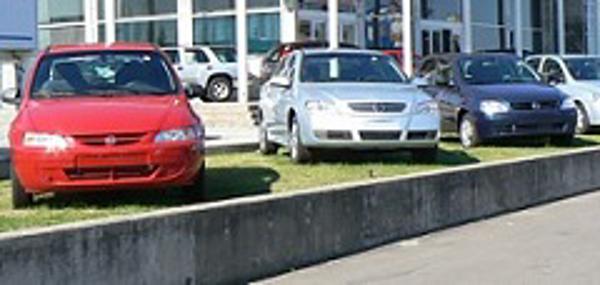 Colombianos invertirán $13 billones en comprar carro en 2012